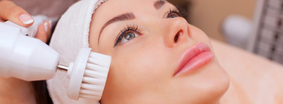 Аппаратная косметология: виды процедур, показания и противопоказания, технические параметры